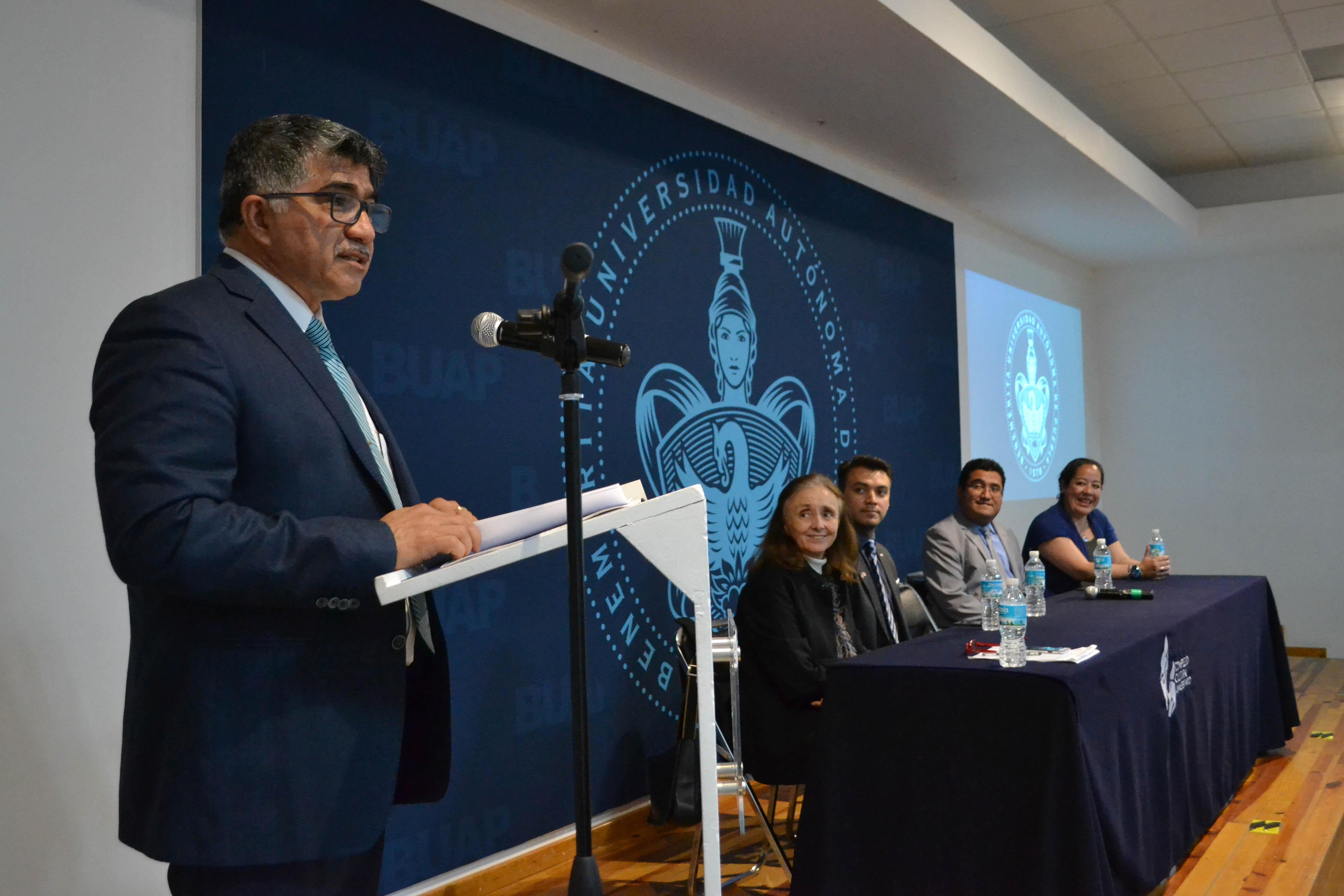 Ygnacio Martínez Laguna, titular de la Vicerrectoría de Investigación y Estudios de Posgrado (VIEP)